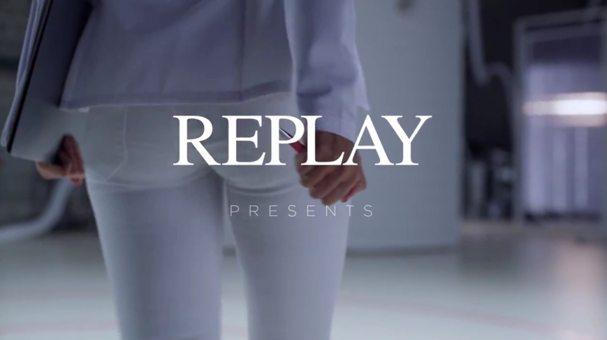REPLAY HYPERFLEX Werbespot  mit Alessandra Ambrosion und FC BARCELONA - Dr Ambrosio alias Alessandra Ambrosio