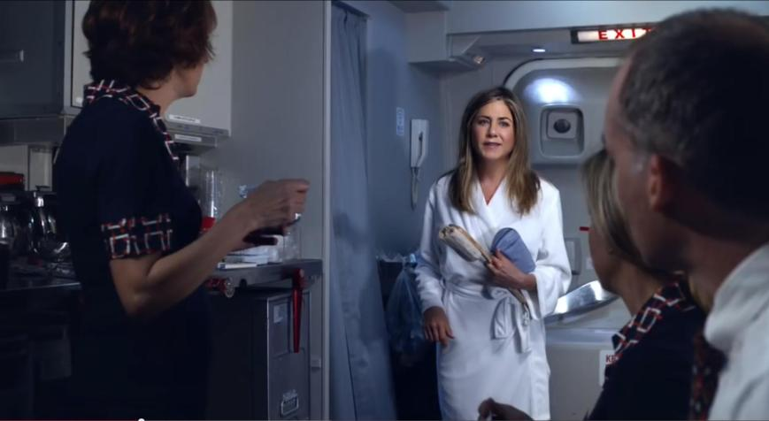 Emirates A380 Werbung 2015 mit Jennifer Aniston Bordpersonal