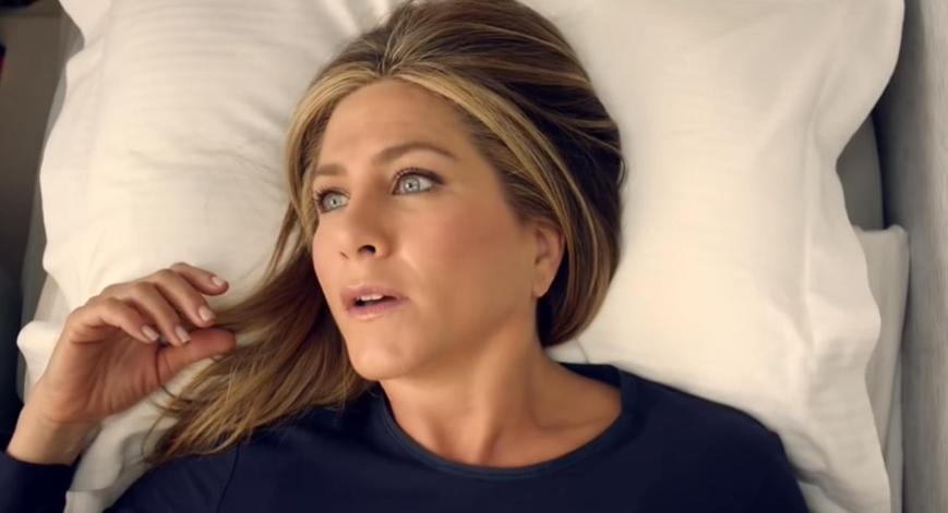 Emirates A380 Werbung 2015 mit Jennifer Aniston wird schockiert wach